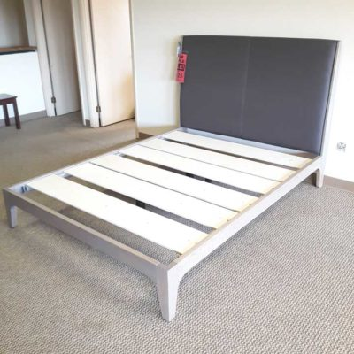 Rizma Oak Queen Bed
